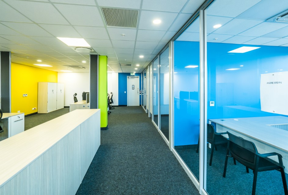 Plae Interiors Bosch office cubicle passage